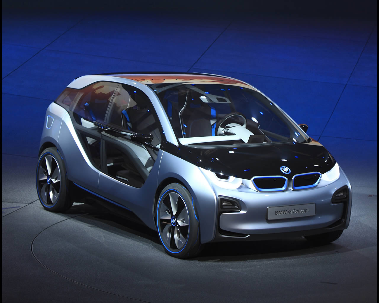 Bmw I3 Electric With Range Extender And I8 Plug In Full Hybrid Drive