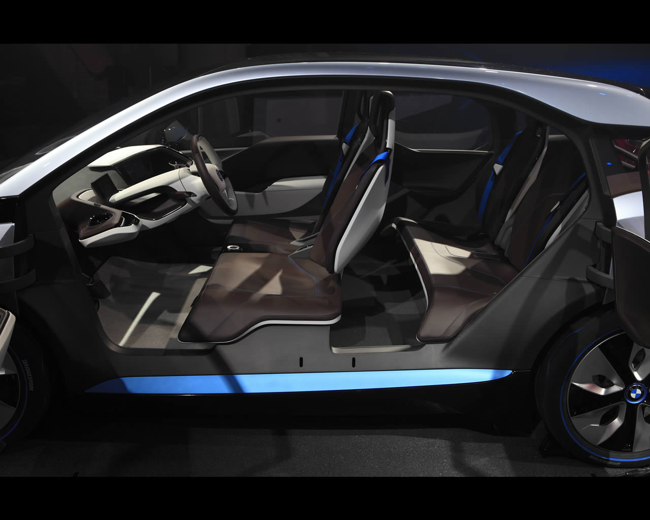 i3 Electric with Range Extender and i8 plug-in full hybrid drive ...