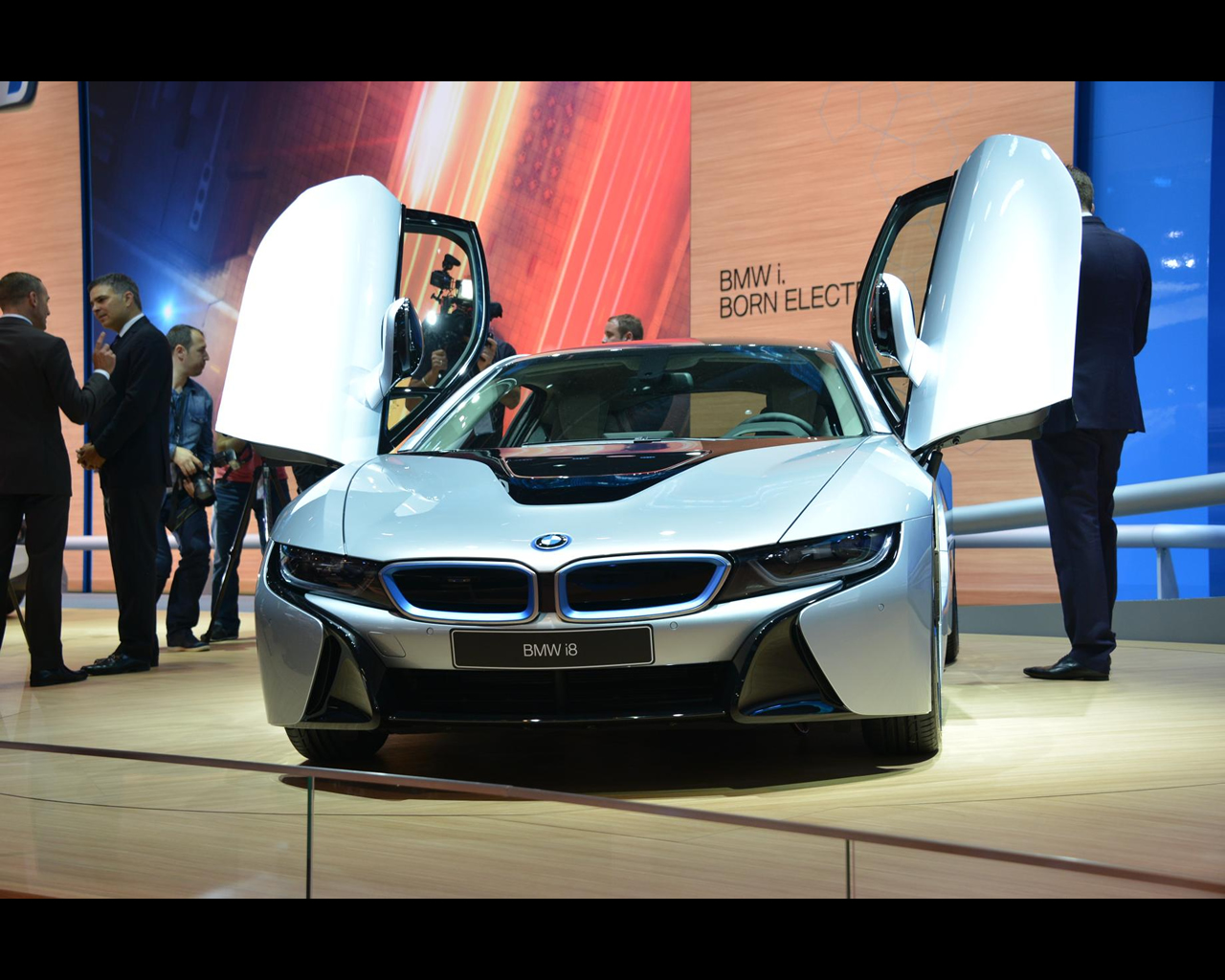 bmw i8 plug in hybrid sports car 2013 rh autoconcept reviews com