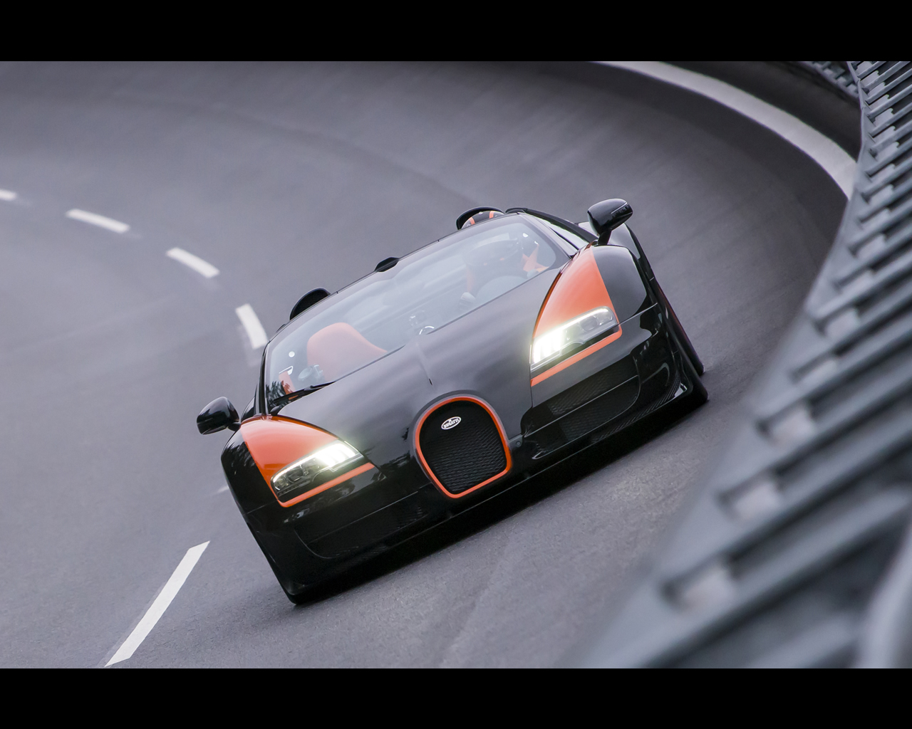 bugatti veyron 16 4 grand sport vitesse 2013 roadster world speed record. Black Bedroom Furniture Sets. Home Design Ideas