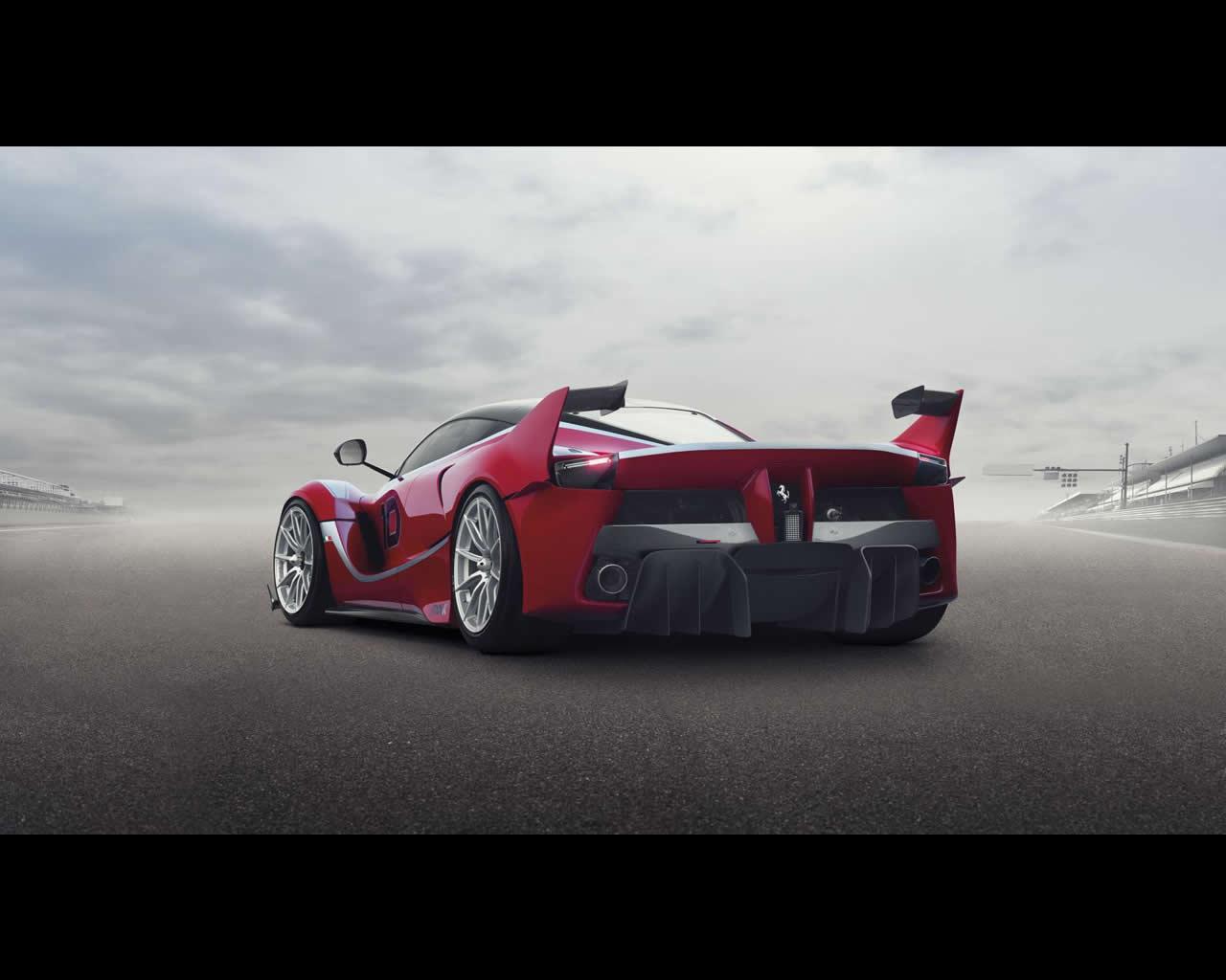 Ferrari FXX K 2015 - 1050 HP 900 Nm Hybrid V12 - Track-only
