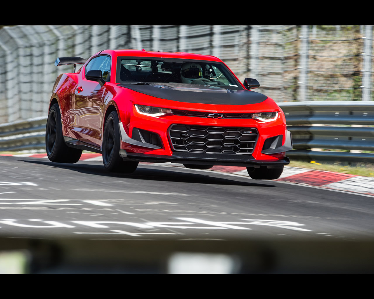 Chevrolet Camaro Zl1 Nascar Cup And Zl1 1le For 2018