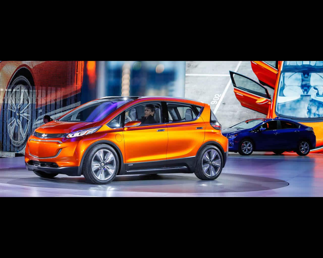 Illustrations General Motors & Newspress -