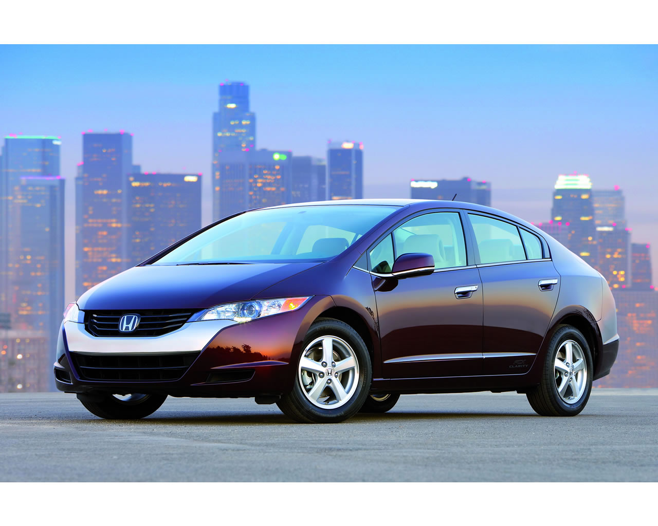 Honda fcx clarity hydrogen fuel cell vehicle 2008