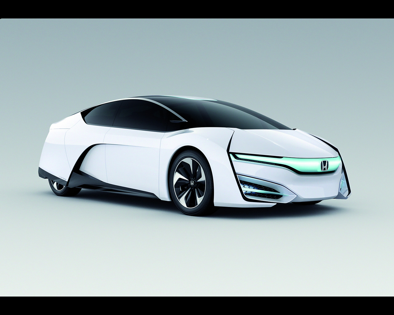 Honda FCV Hydrogen Fuel Cell Vehicle Design Study for 2015