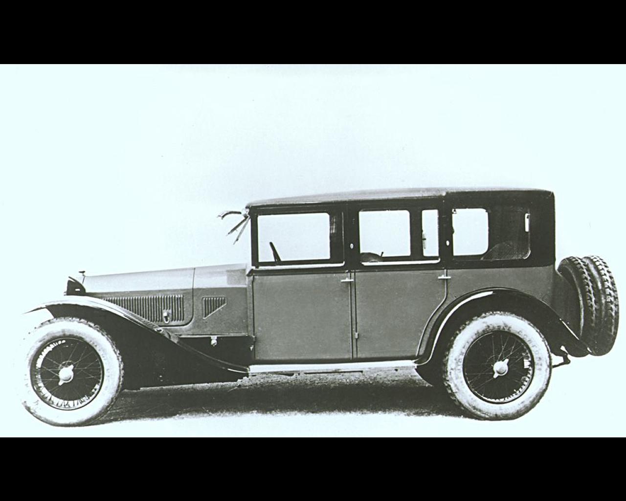 http://www.autoconcept-reviews.com/cars_reviews/lancia/lancia-lamda-1922-1931/wallpapers/8%20-%20Lancia%20Lambda%201922%201931.jpg