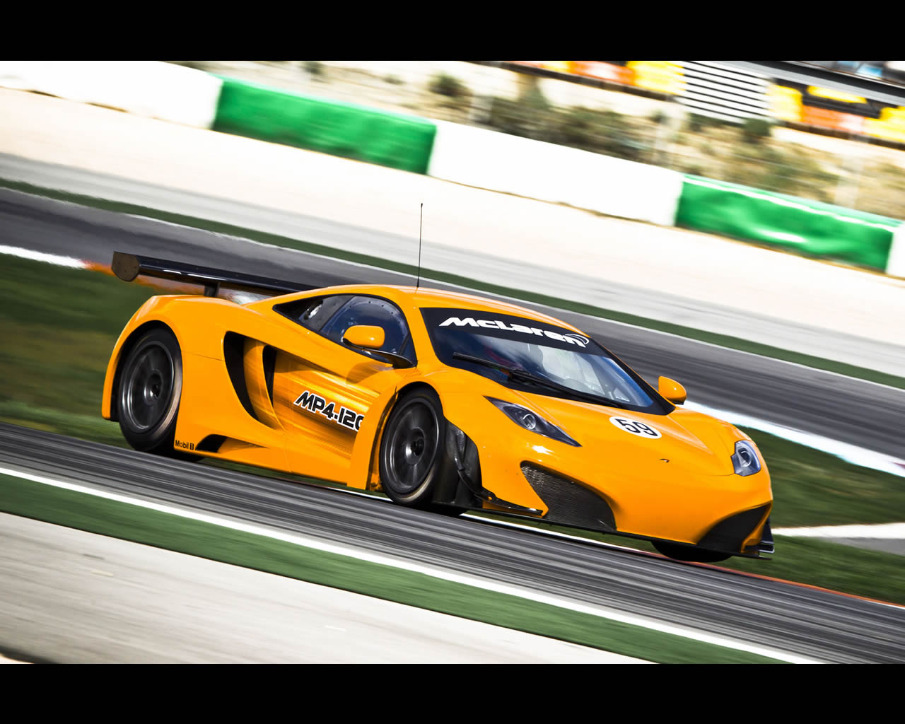 http://www.autoconcept-reviews.com/cars_reviews/mclaren/McLaren-MP4-12C-gt3-2011/wallpapers/mclaren-mp4-12c-gt3-2.jpg