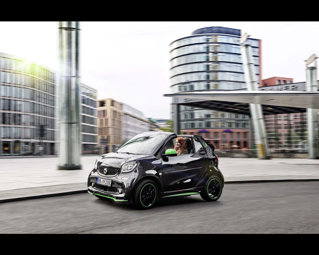 smart electric drive 4th generation fortwo and forfour 2016. Black Bedroom Furniture Sets. Home Design Ideas
