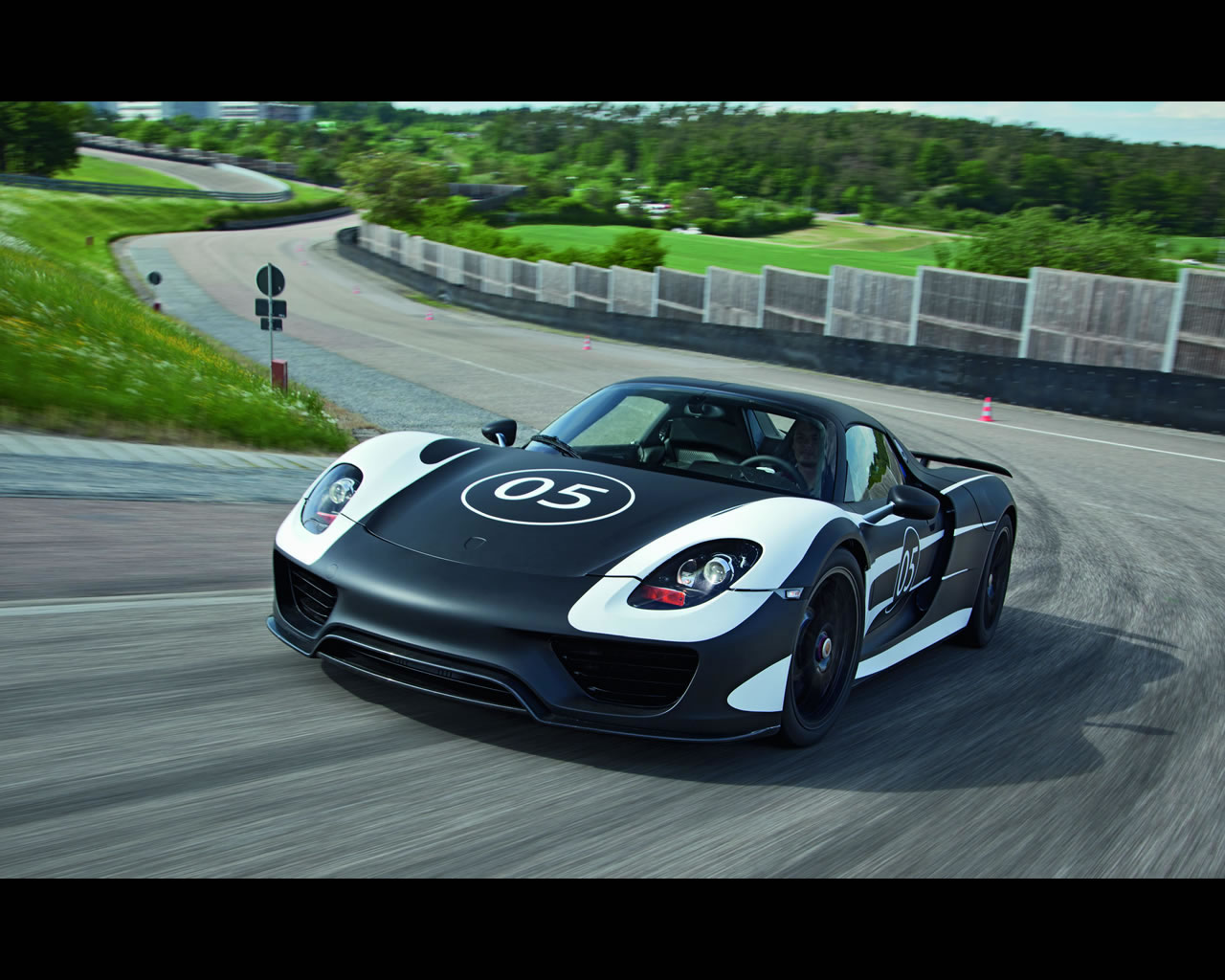 porsche 918 spyder plugin hybrid prototype for 2013. Black Bedroom Furniture Sets. Home Design Ideas