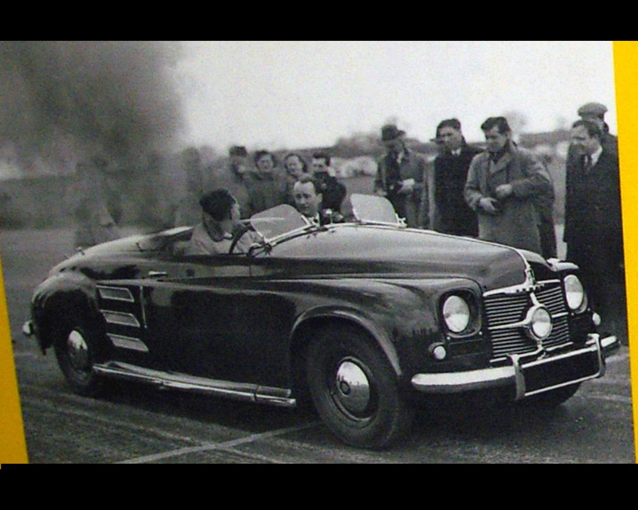 http://www.autoconcept-reviews.com/cars_reviews/rover/rover-jet-1-gas-turbine-1950/wallpapers/rover-jet-1-gas-turbine-1950-2.jpg